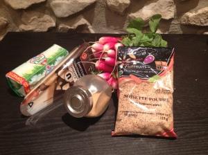 Pesto poudre de noisette et fanes de radis - Its her mess 1