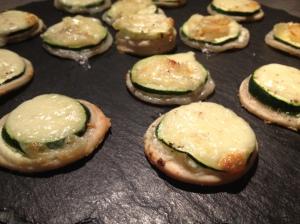 Les bouchées apéro courgette et fromages (1) - It's Her Mess