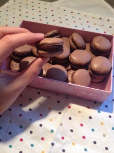 Les macarons au chocolat - It's Her Mess (2)