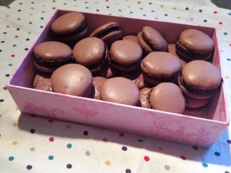 Les macarons au chocolat - It's Her Mess