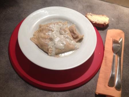 Ravioles au poulet, noix et roquefort - It's Her Mess (7)