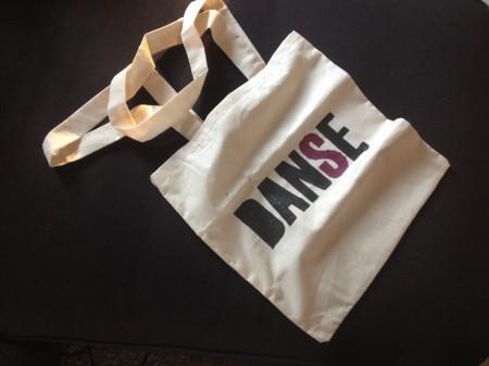 DIY - Tote Bag et peinture sur tissus - It's Her Mess (3)