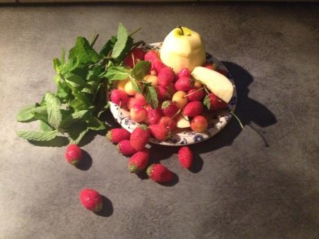 Le smoothie (Fraises, cerises, pommes, menthe) - It's Her Mess (2)