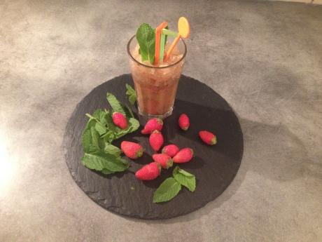 Le smoothie (Fraises, cerises, pommes, menthe) - It's Her Mess (3)