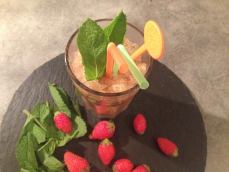 Le smoothie (Fraises, cerises, pommes, menthe) - It's Her Mess