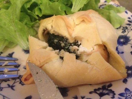 Feuilletés saumon épinard et fromage frais - It's Her Mess (2)