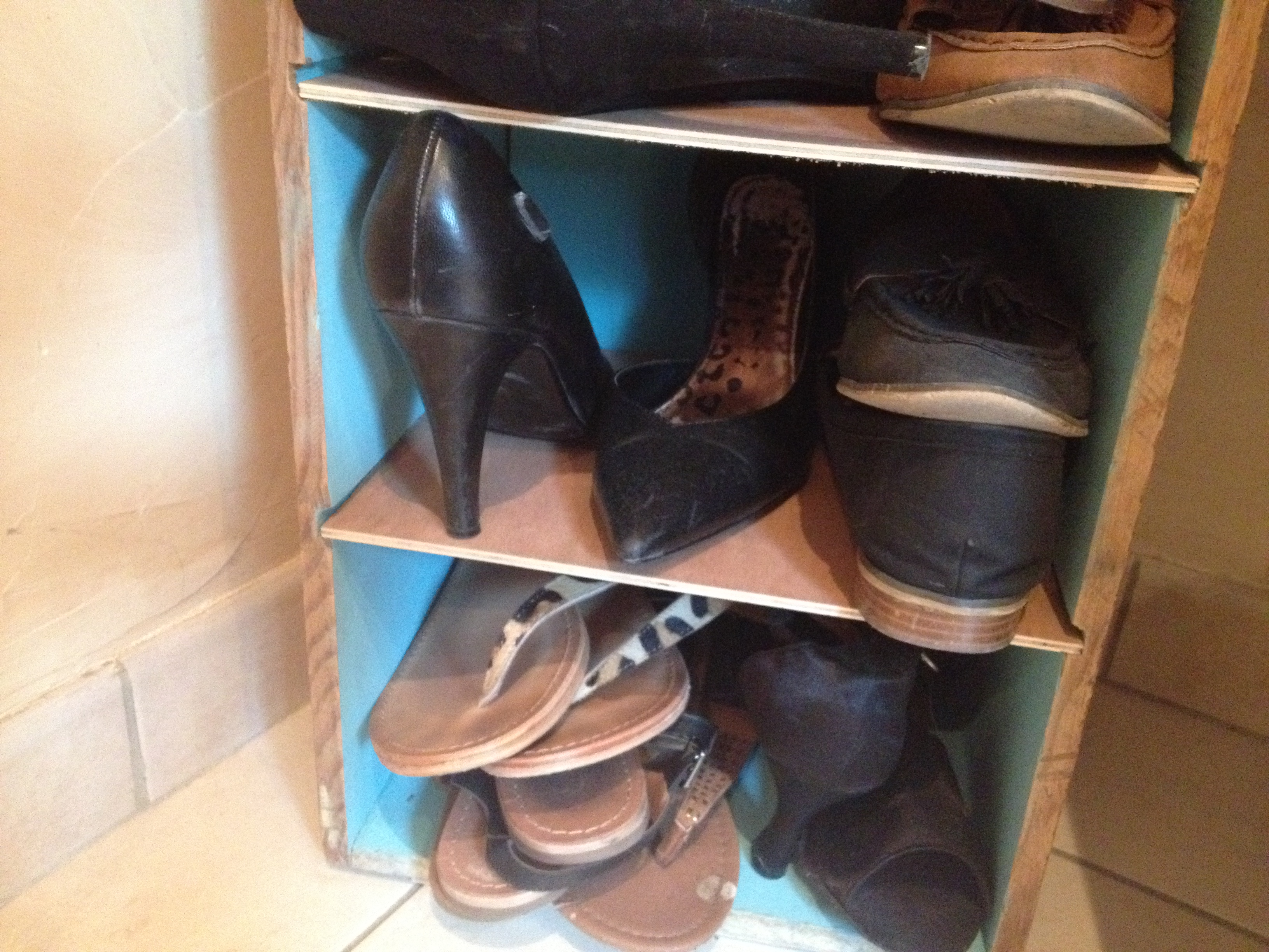 Diy placard chaussures it 39 s her mess - Placard a chaussure ...