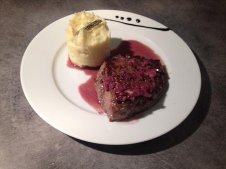 Noisette de boeuf sauce vin rouge echalotte et écrasé de pdt - It's Her Mess (3)