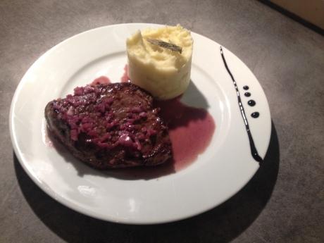 Noisette de boeuf sauce vin rouge echalotte et écrasé de pdt - It's Her Mess (5)