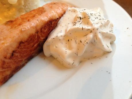 Pavé de saumon poêlé, espuma citron aneth et crème d'asperge - It's Her Mess (5)